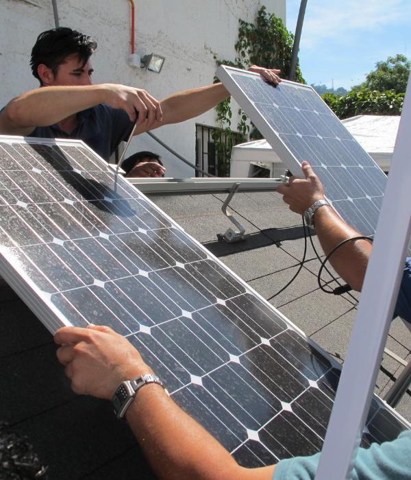Inscrébete en nuestros cursos deEnergía solar fotovoltaica