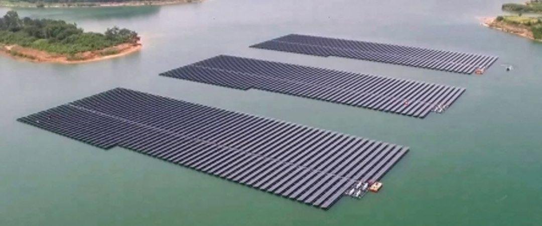 Conoce las principales granjas flotantes de energía solar del mundo
